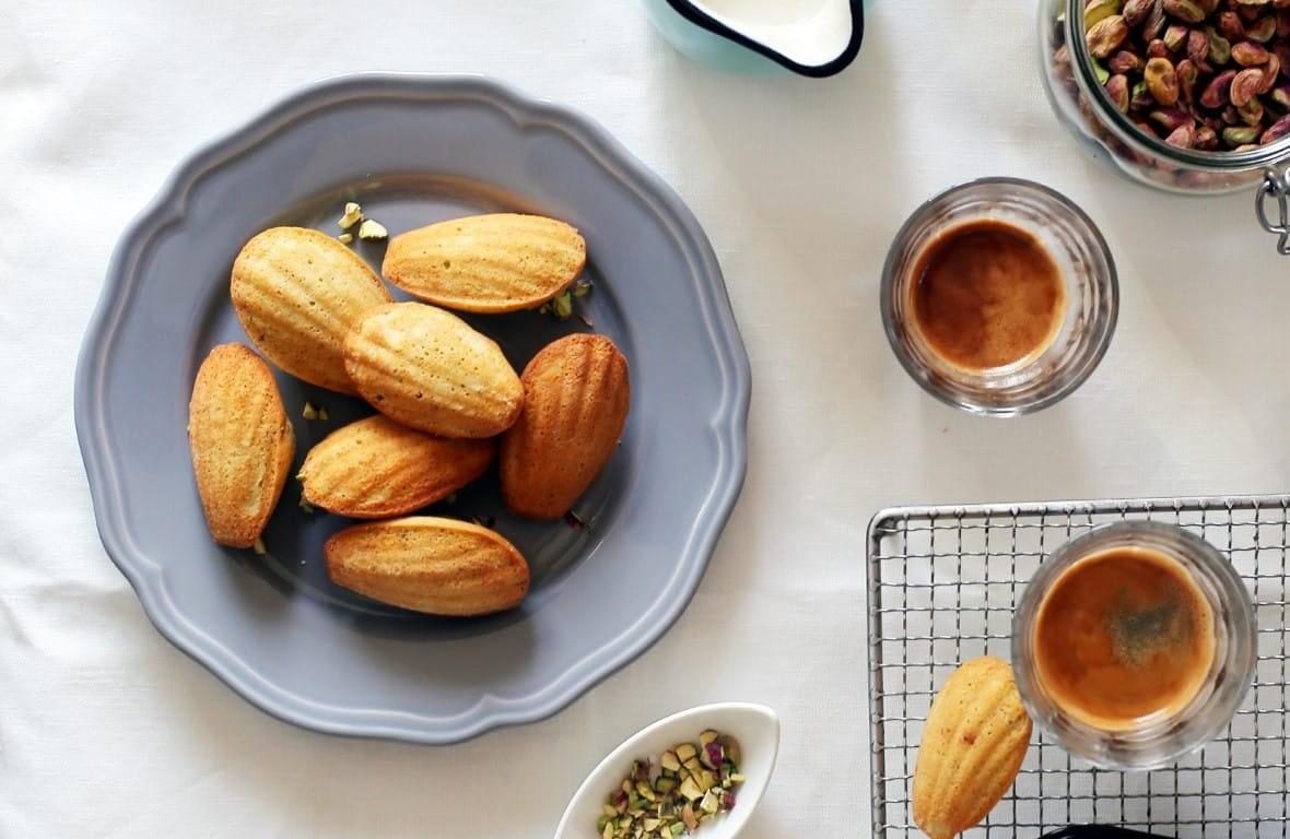 pisztáciás madeleine - francia sütik